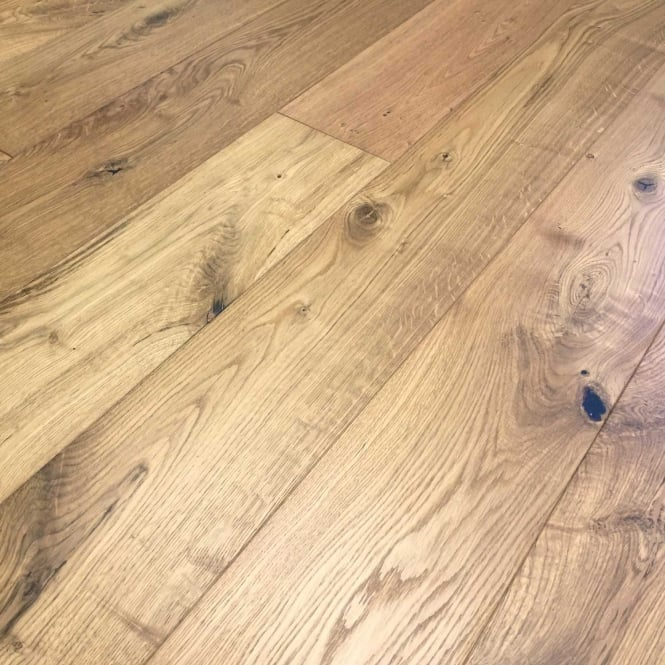 Oak 189 x 14 x 1860mm Rustic Click Brushed UV Oiled
